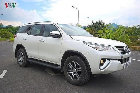 Toyota Fortuner từ là mẫu xe luôn dẫn đầu về doanh số trong phân khúc SUV nhưng do vướng các quy định mới nên không có xe để bán.