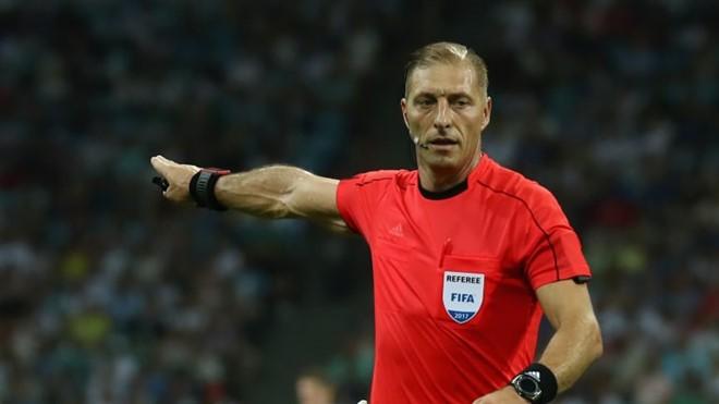 Trọng tài người Argentina Nestor Pitana được FIFA trao trọng trách cầm cân nảy mực trận khai mạc giữa tuyển Nga và Saudi Arabia.