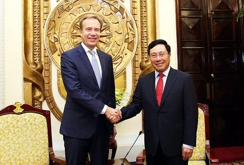 Phó Thủ tướng Phạm Bình Minh tiếp Chủ tịch WEF Borge Brende - Ảnh: VGP/Hải Minh.