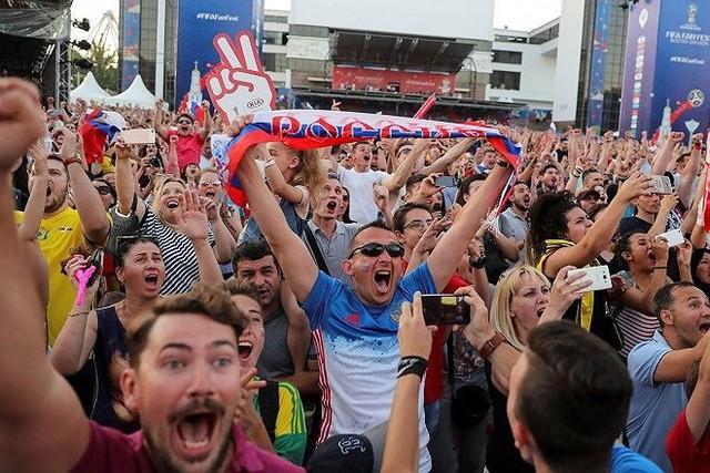 Nước Nga được, mất gì khi đăng cai World Cup 2018? ảnh 1