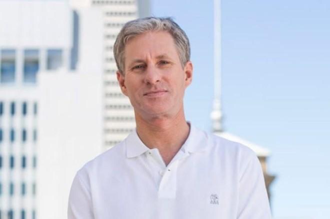 Chris Larsen, cha đẻ đồng Ripple là người giàu nhất thế giới nhờ tiền số.