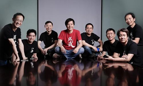 CEO Lei Jun (giữa) cùng các cộng sự tại Xiaomi. Ảnh: Xiaomi.