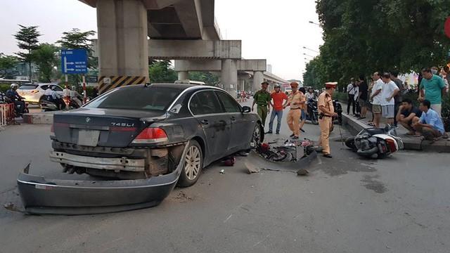 Hà Nội: Xe BMW gây tai nạn liên hoàn trên đường Nguyễn Trãi