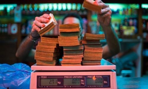 Người Venezuela phải dùng ứng dụng để quy đổi tiền