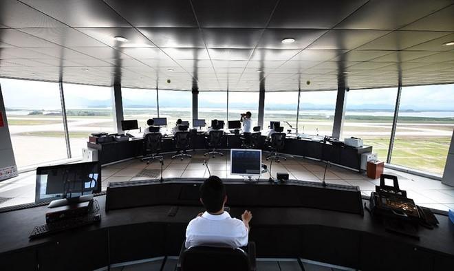 Đài kiểm soát không lưu tại Cảng hàng không Quốc tế Vân Đồn.