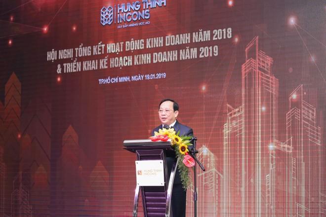 Ông Lê Chí Trung, Tổng giám đốc Hưng Thịnh Incons báo cáo tổng thể hoạt động kinh doanh năm 2018 và dự kiến kế hoạch kinh doanh năm 2019.