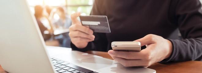 Đẩy mạnh bảo hiểm online: Doanh nghiệp vừa làm, vừa tính