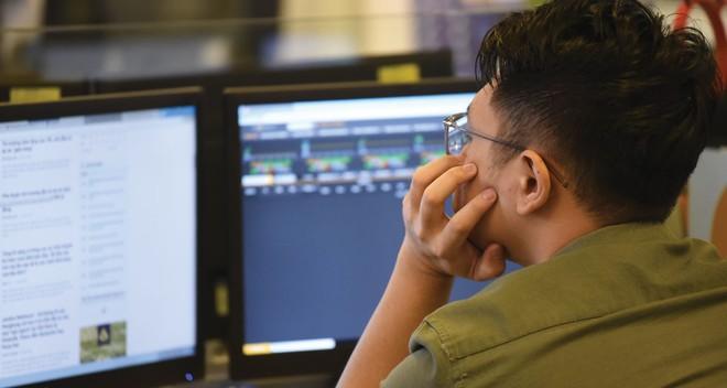 Ở Việt Nam, thói quen nhà đầu tư tự đầu tư là một trong những lý do khiến các công ty quản lý quỹ khó gọi vốn.