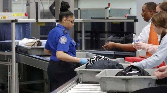 Hành khách bỏ lại 23 tỷ đồng tại các sân bay ảnh 2