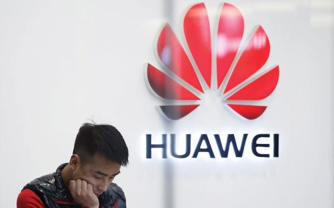 Tổng thống Mỹ Donald Trump đã cho phép các doanh nghiệp Mỹ nối lại giao dịch với Huawei.