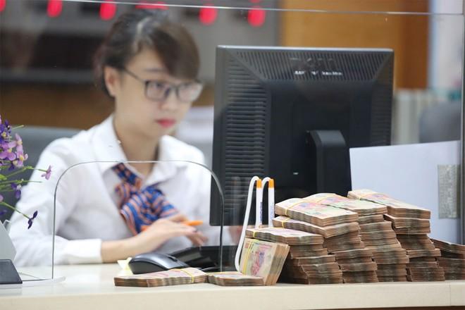 Trong bối cảnh USD mạnh lên, CNY suy yếu, VND được dự báo sẽ không giảm giá quá 3%.