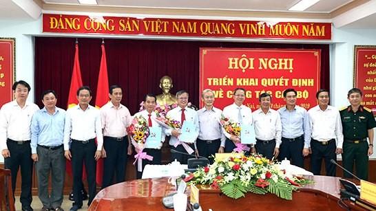Lãnh đạo tỉnh Đồng Nai chúc mừng các đồng chí được Ban Bí thư chuẩn y chức vụ mới.