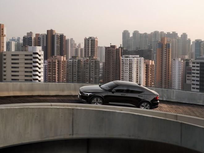 Polestar 2 là mẫu xe chạy điện hoàn toàn được phát triển dựa trên nền tảng EV chia sẻ từ công ty mẹ Volvo. Ảnh: Carthrottle.