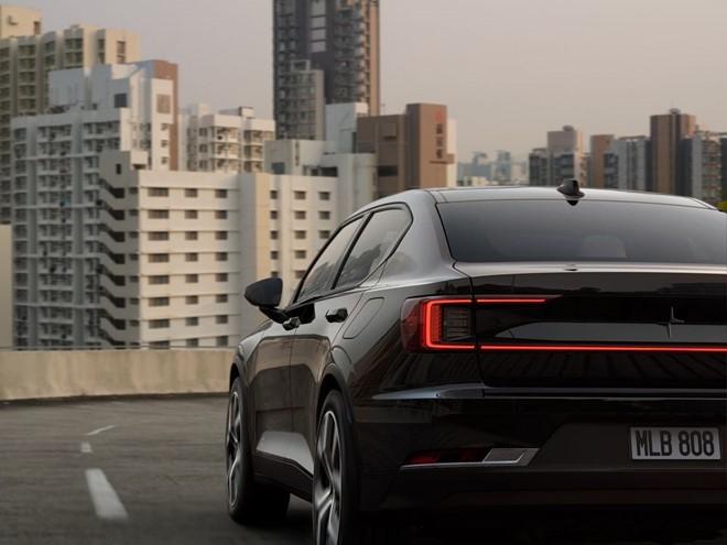 Xe điện Polestar 2 có giá đắt hơn Tesla Model 3 ảnh 1
