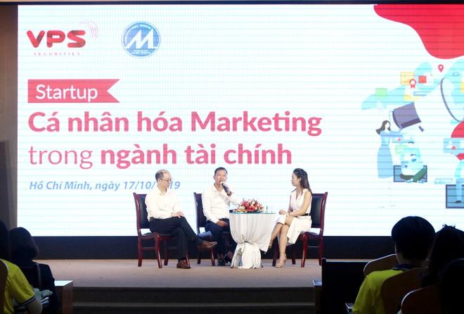 """VPS mang """"Ngày hội truyền cảm hứng"""" tới những Đại sứ chứng khoán 4.0 tương lai tại Đại học Tài chính Marketing TP.HCM."""