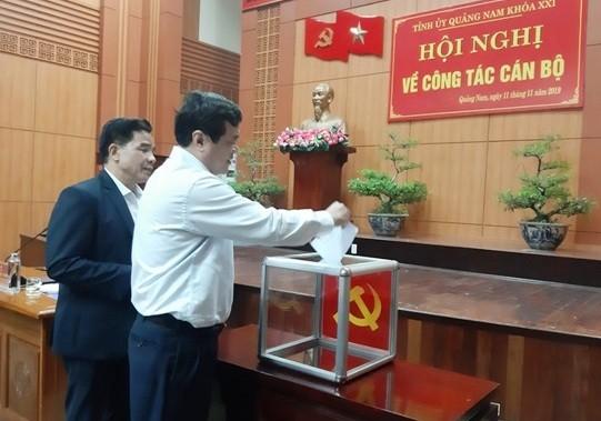 Các đại biểu đã bầu đồng chí Lê Trí Thanh giữ chức Phó Bí thư Tỉnh ủy Quảng Nam.