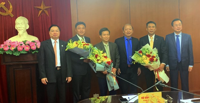 Tập thể lãnh đạo Ban Tuyên giáo TƯ chúc mừng các ông: Vũ Trọng Hà, Đoàn Văn Báu và Trần Đoàn Hưng được giao trọng trách mới. Ảnh Internet
