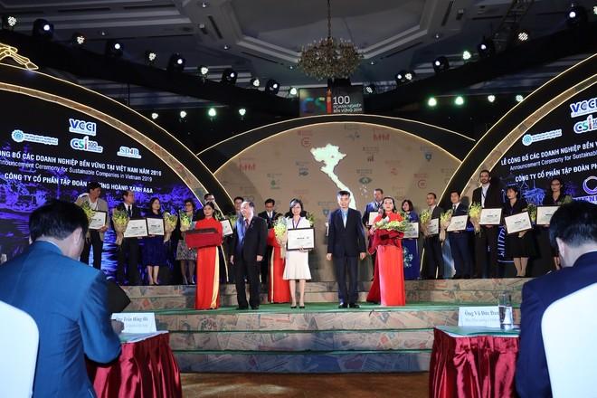 Phenikaa và Vicostone tiếp tục được vinh danh Top 100 doanh nghiệp bền vững