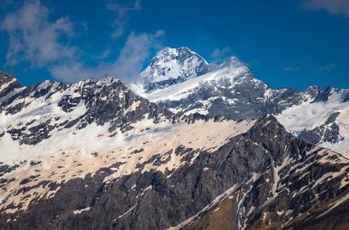 Sông băng trên đỉnh núi ở New Zealand chuyển màu bất thường. Ảnh: Liz Carlson.