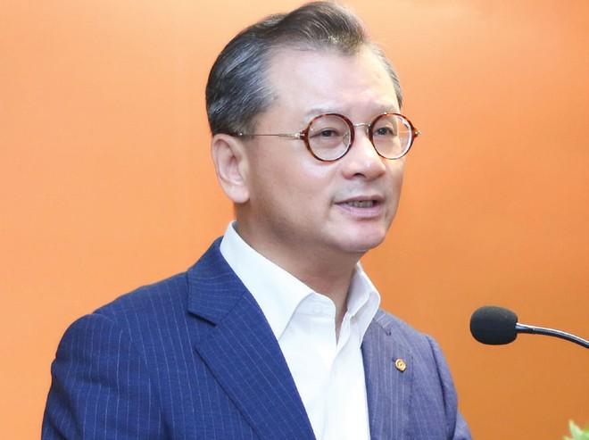 """""""Một trong những chiến lược quan trọng của Hanwha Life Việt Nam là sự cách tân về chất lượng dịch vụ tài chính dựa trên nền tảng công nghệ"""", Ông Yeo Seung Joo, Tổng giám đốc Công ty Hanwha Life Insurance (Hàn Quốc)."""