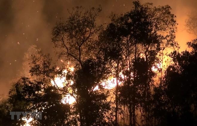 Hiện trường đám cháy tại bản Noong Luống A1, xã Noong Luống, huyện Điện Biên. (Ảnh: Phan Tuấn Anh/TTXVN)