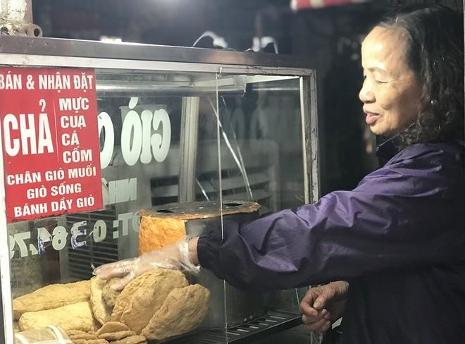Giá thịt lợn tăng vọt kéo theo giò, chả lên mức giá cao chưa từng có ảnh 1
