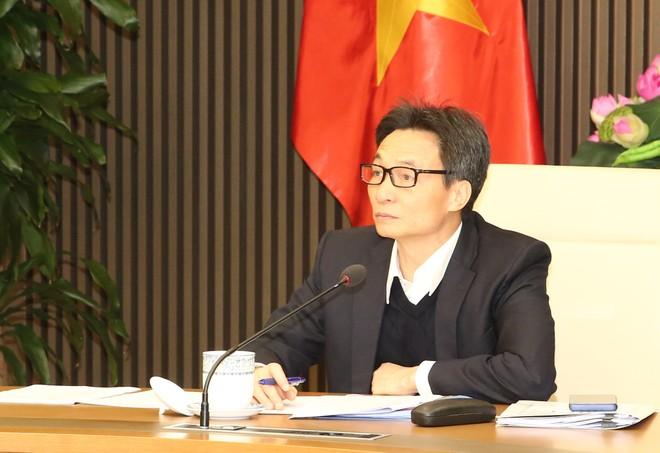 Phó Thủ tướng Vũ Đức Đam chủ trì cuộc họp Ban Chỉ đạo Quốc gia về phòng, chống dịch bệnh viêm đường hô hấp cấp do chủng mới của virus Corona gây ra. Ảnh VGP/Trần Mạnh.