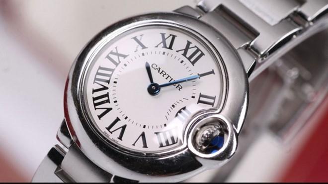 Đồng hồ Cartier có giá từ vài chục triệu đến vài trăm triệu đồng (ảnh minh họa).