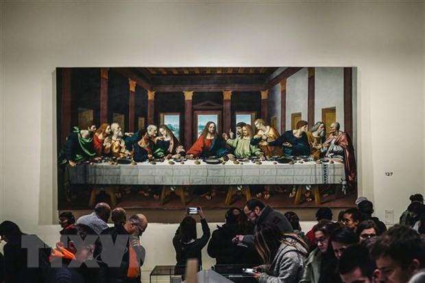 Tác phẩm Bữa ăn tối cuối cùng của danh họa Leonardo da Vinci được trưng bày tại triển lãm ở bảo tàng Louvre, Paris, Pháp, ngày 21/2/2020. (Nguồn: AFP/TTXVN).