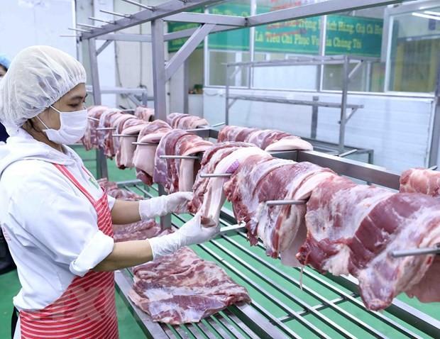 Sản phẩm thịt lợn sau khi chế biến được để trên giá đảm bảo vệ sinh thực phẩm. (Ảnh: Vũ Sinh/TTXVN).
