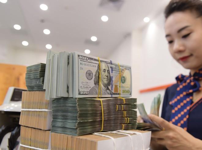 Giá trị đồng Việt Nam được giữ ổn định giúp hạn chế tình trạng găm giữ.