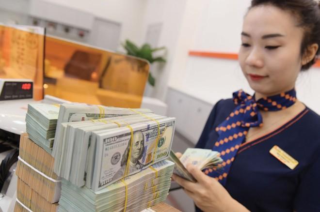 Tỷ giá hiện dao động trong khoảng 23.250-23.300 VND/USD, tương đương thời điểm đầu tháng 3.