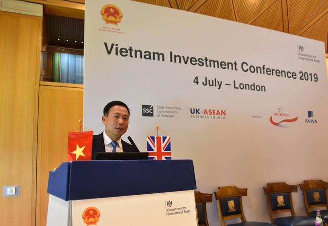 Ông Trần Văn Dũng, Chủ tịch Ủy ban Chứng khoán Nhà nước