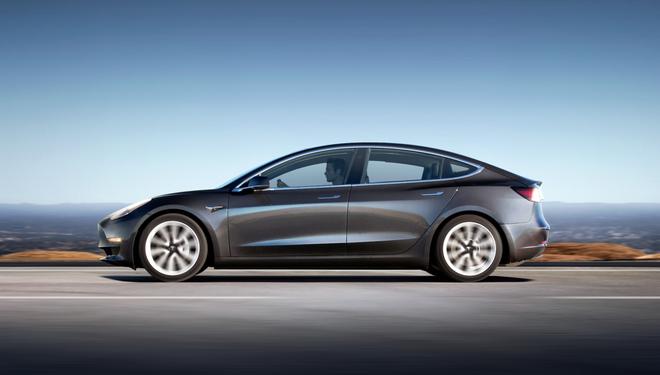Tesla áp đảo trong Top 13 mẫu ô tô điện bán chạy nhất mọi thời đại ảnh 2