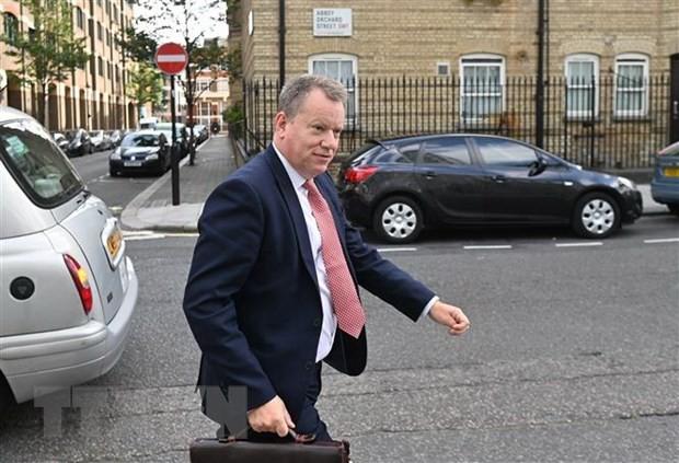 Ông David Frost tới cuộc họp báo ở London, Anh, ngày 10/9/2020. (Ảnh: AFP/TTXVN).