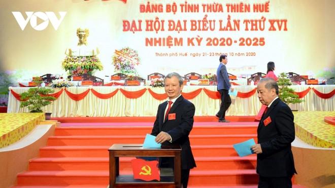 Các đại biểu bầu Ban Chấp hành Đảng bộ tỉnh Thừa Thiên Huế khóa XVI.