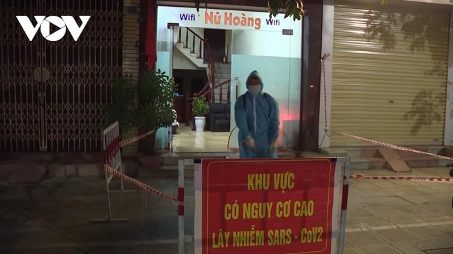 Phong tỏa nhà nghỉ Nữ Hoàng vì vi phạm các quy định phòng chống dịch.