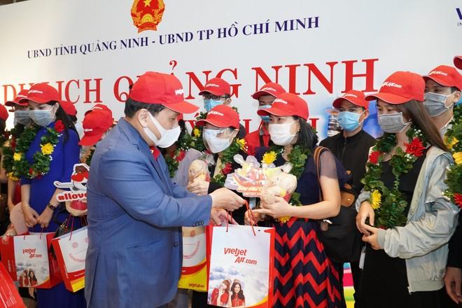 Sân bay Vân Đồn mở cửa trở lại đón chuyến bay Vietjet đầu tiên ảnh 3