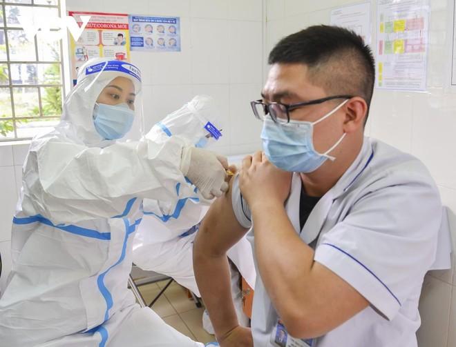 Số lượng 6.300 liều vaccine mà Bộ Y tế vừa phân bổ về, tỉnh Điện Biên sẽ sớm tiến hành rà soát cấp cho các địa phương, đối tượng theo thứ tự ưu tiên.