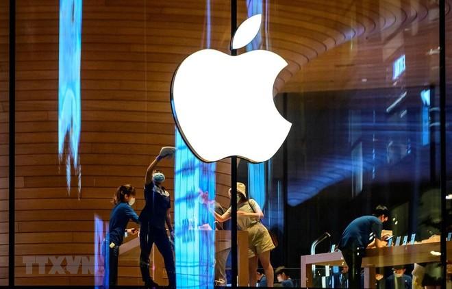 Biểu tượng Apple tại một cửa hàng của hãng ở Bangkok, Thái Lan. (Ảnh: AFP/TTXVN).