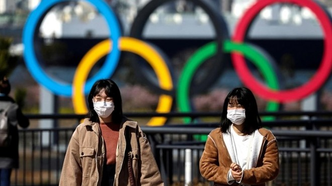 """Làn sóng Covid-19 mới đẩy Nhật Bản vào """"thế khó"""" trước thềm Olympic. Ảnh: Reuters."""