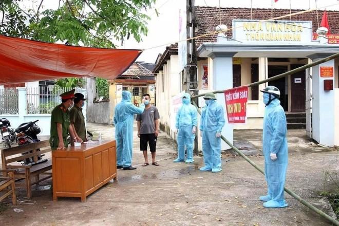 Phong tỏa thôn Quan Nhân, xã Đạo Lý, huyện Lý Nhân, Hà Nam.