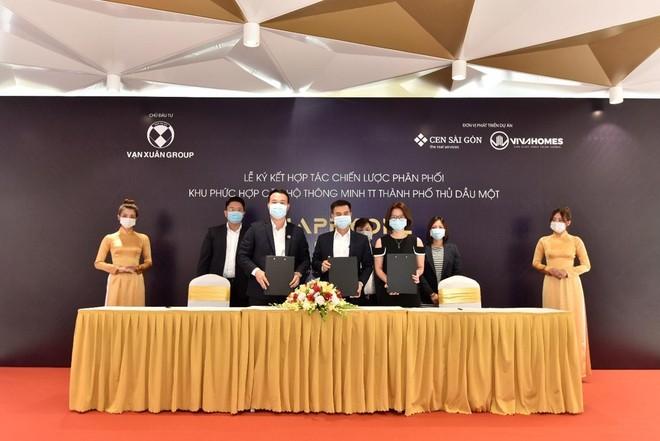 Lễ ký kết hợp tác chiến lược phân phối Happy One - Central giai đoạn 2