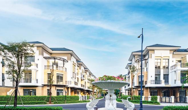Nhà liên kế & biệt thự Verosa Park đẳng cấp 5 sao của KDH, đã bán gần hết 100%, bắt đầu bàn giao vào tháng 5/2020.