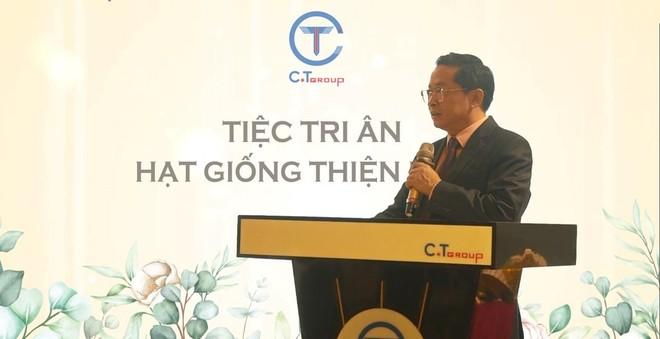 Phát biểu tại chương trình, ông Trần Kim Chung - Chủ tịch Tập đoàn C.T Group chia sẻ góc nhìn 3 chiều trong mối liên kết giữa 3 nhà: Nhà trường - Nhà phát triển nguồn nhân lực - Nhà đầu tư vào con người.