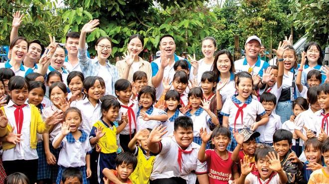 Khải Hoàn Land tổ chức ngày hội đọc sách, giao lưu và trao tặng tủ sách cho Trường Tiểu học Bù Cà Mau - Bình Phước.