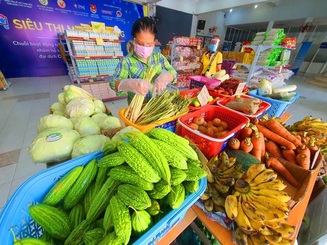PNJ mở nhiều siêu thị 0 đồng để hỗ trợ người dân bị ảnh hưởng bởi Covid-19 ảnh 4
