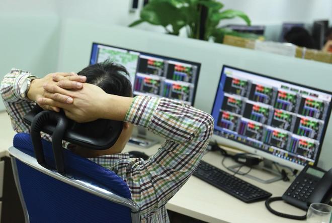 Đợt giảm mạnh vừa qua đã khiến nhiều cổ phiếu về vùng giá đầu năm nay.