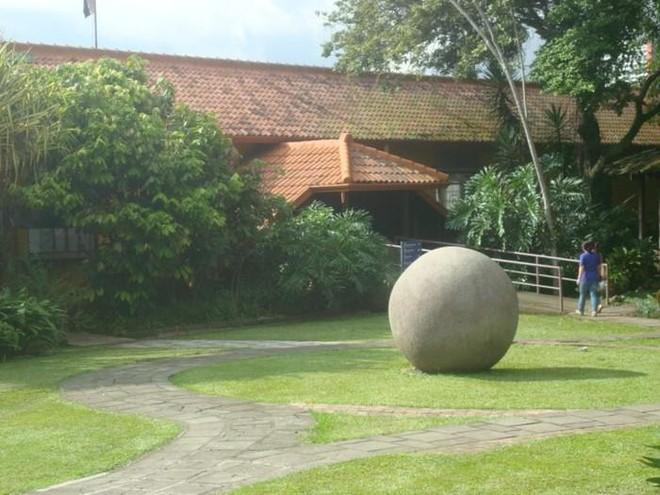 Những viên đá tròn hàng nghìn năm tuổi ở Costa Rica và điều bí ẩn kỳ lạ chưa từng được khám phá của ngành khảo cổ học ảnh 3