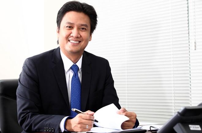 """""""Tôi hy vọng sẽ điều chỉnh cỗ máy ACBS vận hành một cách hiệu quả và tăng tốc vươn lên trong thời gian tới"""" - Ông Trịnh Thanh Cần, tân Tổng giám đốc ACBS"""